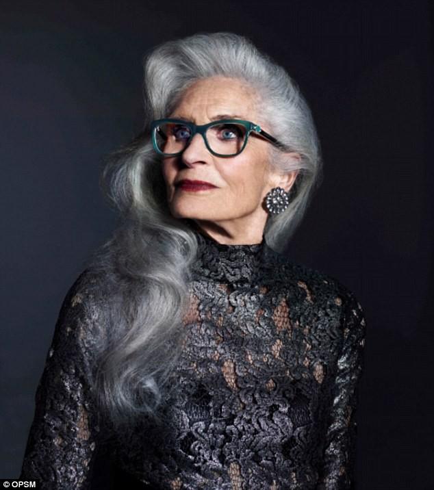 Siêu mẫu lớn tuổi nhất thế giới Daphne Self: 89 tuổi vẫn tự tin trở thành gương mặt quảng bá cho hãng mỹ phẩm - Ảnh 8.