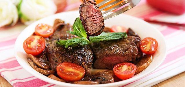 Ăn thịt bò vào thời điểm này nguy cơ mắc bệnh hiểm nghèo  - Ảnh 1.