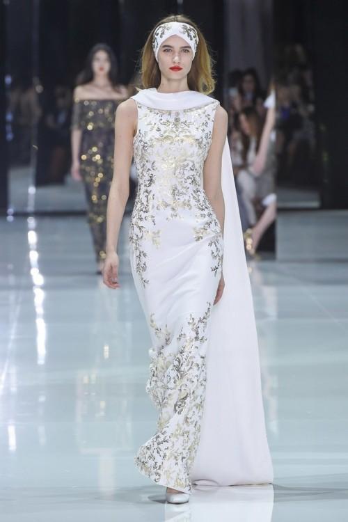 Những chiếc váy cưới hàng hiệu nằm trong tầm ngắm của 'lọ lem' Meghan Markle - Ảnh 9.