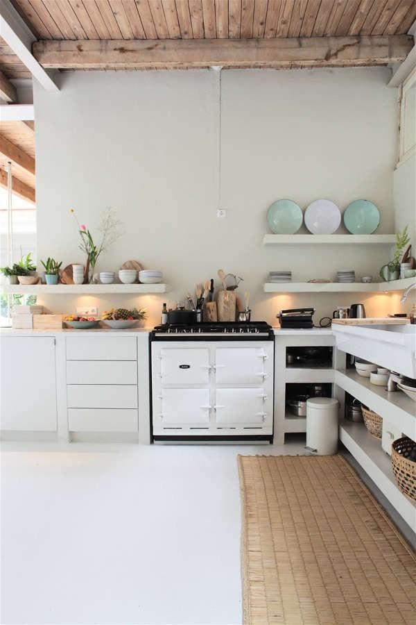 Ngôi nhà trắng đẹp như tranh vẽ với những góc nhà lung linh chẳng khác gì studio - Ảnh 8.