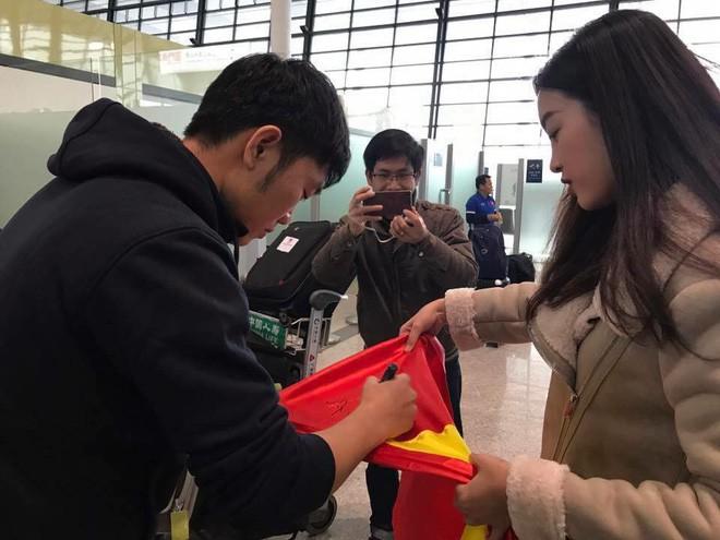 Hoa hậu Đỗ Mỹ Linh lần đầu lên tiếng sau khi âm thầm xuất hiện ở Thường Châu để cổ vũ cho U23 Việt Nam - Ảnh 4.
