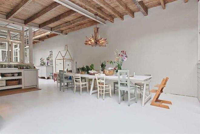 Ngôi nhà trắng đẹp như tranh vẽ với những góc nhà lung linh chẳng khác gì studio - Ảnh 9.