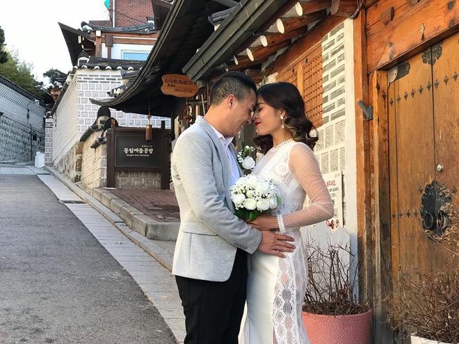 MC Hoàng Linh hạnh phúc như cô gái lần đầu biết yêu trong bộ ảnh cưới tại vườn cẩm tú cầu Đà Lạt - Ảnh 1.