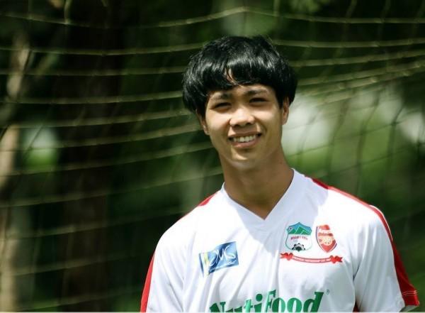 Loạt kiểu tóc siêu đáng yêu của các 'người hùng' U23 Việt Nam ở đời thường khiến chị em mê tít - Ảnh 12.