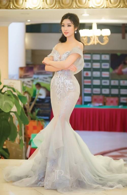 Thật lạ, cứ hễ chung đụng váy áo với Đỗ Mỹ Linh thì loạt người đẹp này bị 'nhấn chìm' ngay lập tức - Ảnh 6.