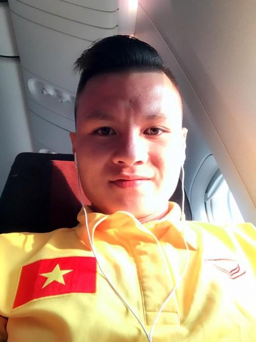 Loạt kiểu tóc siêu đáng yêu của các 'người hùng' U23 Việt Nam ở đời thường khiến chị em mê tít - Ảnh 6.