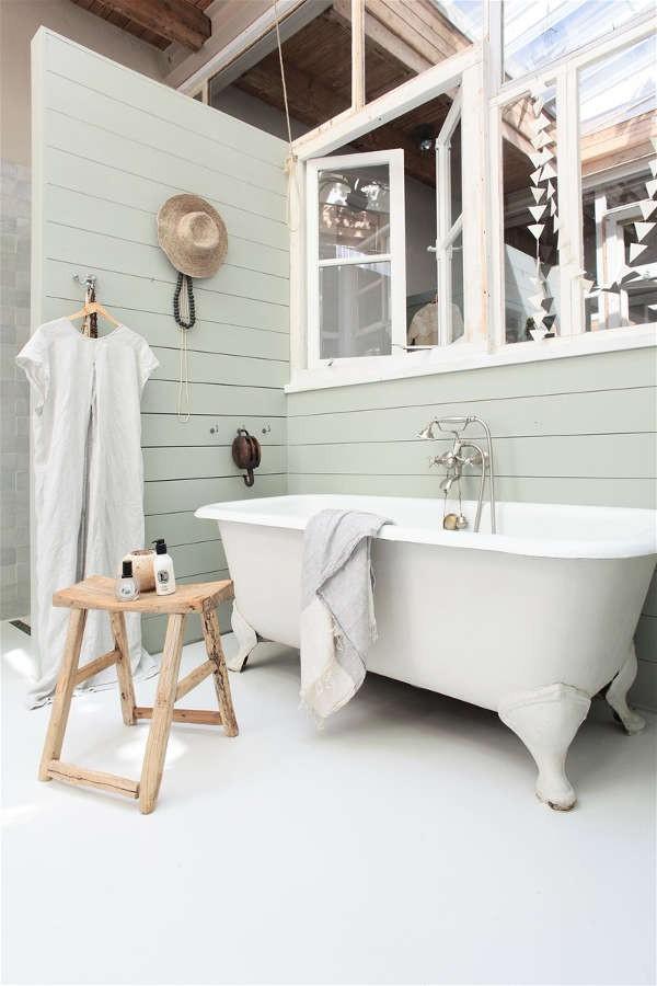 Ngôi nhà trắng đẹp như tranh vẽ với những góc nhà lung linh chẳng khác gì studio - Ảnh 14.