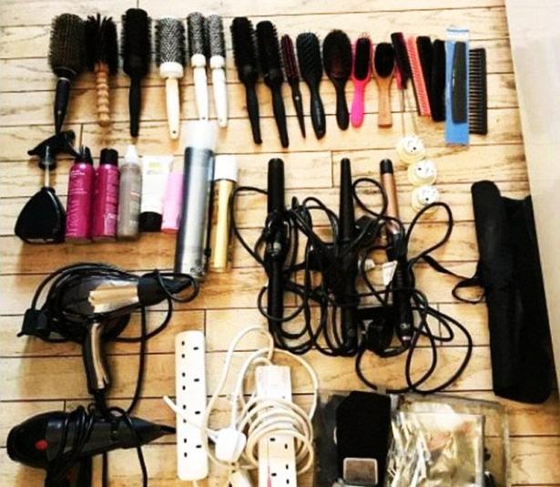 Bất ngờ trước bộ vật dụng chăm sóc tóc trị giá đến gần 30 triệu đồng của công nương Kate - Ảnh 2.