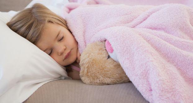 Ngủ đúng cách ở trẻ em có thể ngăn ngừa ung thư sau này - Ảnh 1.