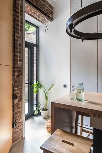 Căn hộ chung cư 35 m2 có gác lửng khiến nhiều người thích mê - Ảnh 12.