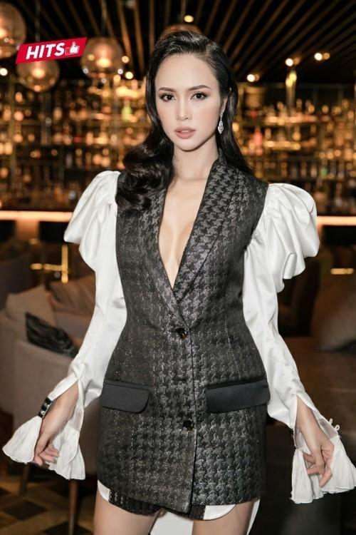 Hóa 'thần tiên tỷ tỷ', Đỗ Mỹ Linh vượt Minh Tú, xuất sắc dẫn đầu danh sách sao đẹp tháng - Ảnh 9.