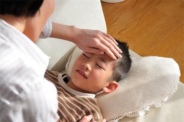 Dịch cúm mùa đang cao điểm, cha mẹ cần phải những lưu ý sau để con không gặp biến chứng - Ảnh 3.