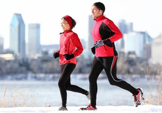 Bí quyết giữ nhiệt cơ thể hiệu quả ngày rét đậm như hôm nay - Ảnh 2.