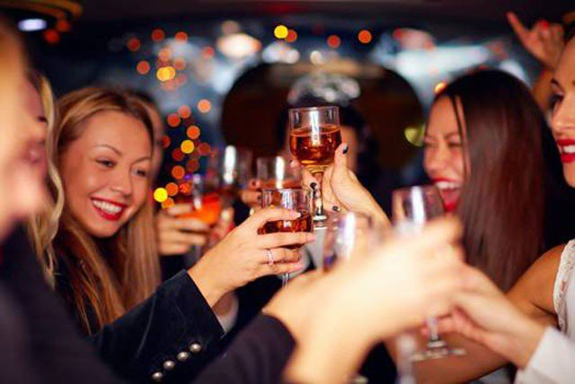 Mách chị em cách giúp chồng chống say rượu bia trong dịp Tết cực hiệu quả - Ảnh 1.