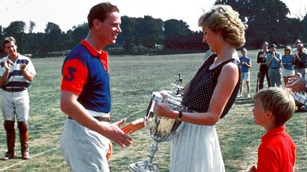 3 câu nói hắt nước đổ đi của Thái tử Charles khiến Công nương Diana thú nhận lúc đó tôi biết mọi hy vọng đã khép lại - Ảnh 2.