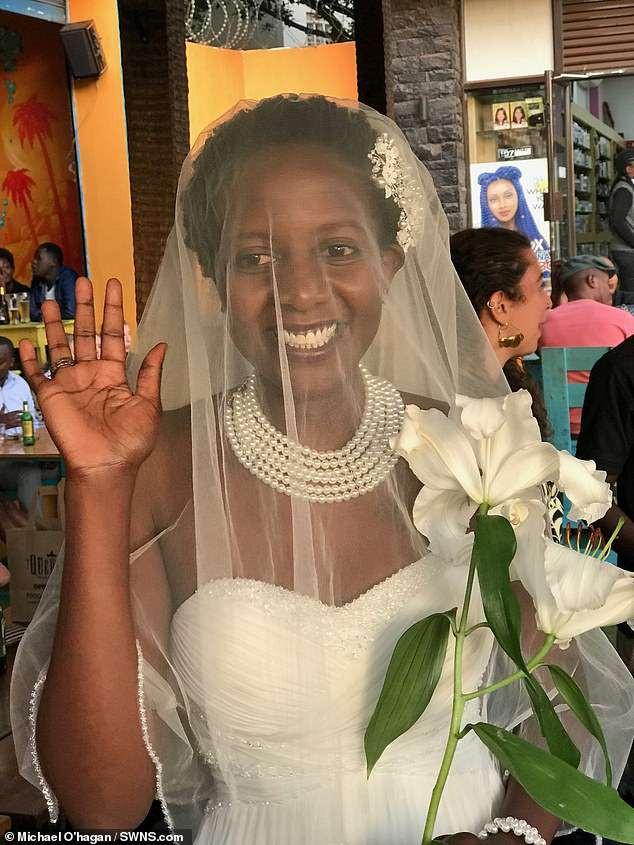 Mệt mỏi khi suốt ngày bị hỏi Bao giờ lấy chồng?, cô gái quyết định cưới nhưng nghe tên chú rể thì cả họ sốc - Ảnh 3.