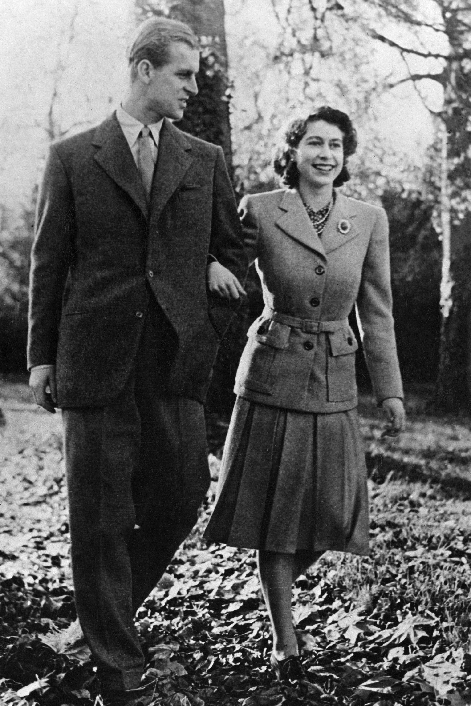 hbz-prince-philip-queen-elizabeth-1947-gettyimages-541072255_2