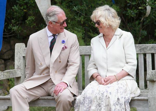 Khoảnh khắc ngọt ngào của 4 cặp đôi nổi tiếng nhất hoàng gia Anh: Hiếm khi thể hiện nhưng vẫn làm công chúng ghen tị - Ảnh 7.