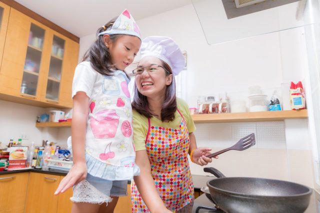 Muốn dạy con tự lập từ sớm, đây là những việc cha mẹ phải để con tự làm - Ảnh 6.