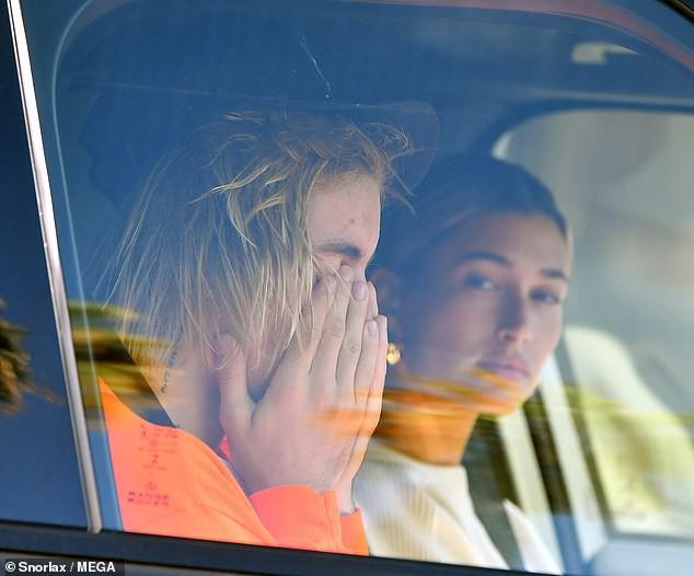 Justin Bieber bật khóc trước mặt Hailey Baldwin vì lo lắng bệnh tật có thể mang Selena Gomez ra đi mãi mãi  - Ảnh 1.