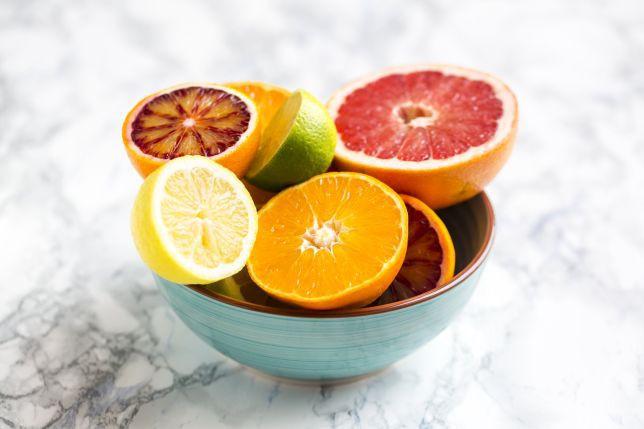 Muốn tránh ung thư, bệnh tim, mất trí nhớ và giảm nếp nhăn, hãy ăn loại trái cây được bán nhiều ở chợ này - Ảnh 3.