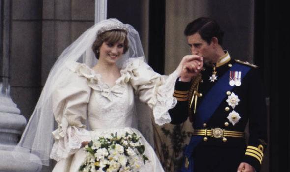 Lần đầu hé lộ việc Thái tử Charles không có ý định cưới Diana nhưng lá thư bí mật này đã đảo ngược mọi chuyện - Ảnh 3.