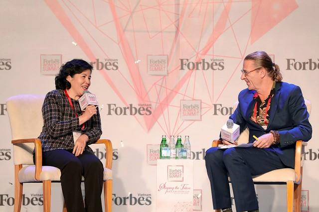 """Tổng giám đốc Vinamilk được Forbes Việt Nam vinh danh """"Thành tựu trọn đời"""" - Ảnh 1."""