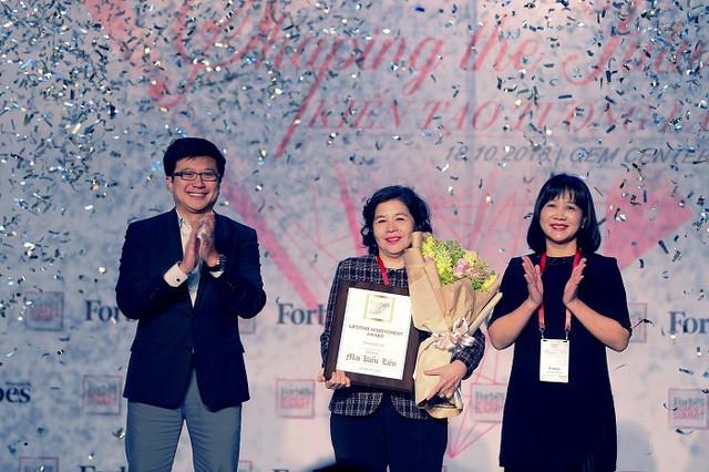 """Tổng giám đốc Vinamilk được Forbes Việt Nam vinh danh """"Thành tựu trọn đời"""" - Ảnh 3."""