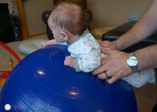 Những mẹo nhỏ mà có võ giúp việc chăm sóc trẻ sơ sinh nhàn nhã hơn bao giờ hết - Ảnh 6.