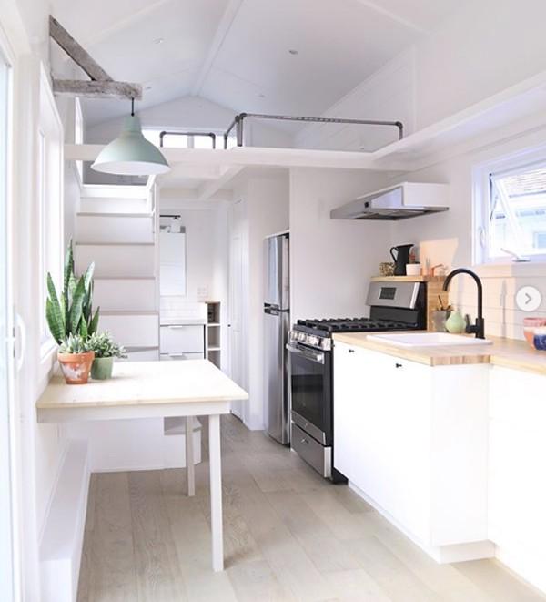 7 mẹo thiết kế nhà nhỏ cực đáng để thử nếu bạn muốn sở hữu nơi ở nhỏ xinh đáng mơ ước  - Ảnh 7.