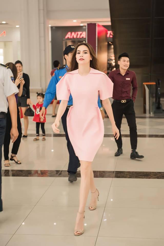 Tưởng chừng chẳng dây dưa, nào ngờ Hà Hồ và Đàm Thu Trang lại có điểm chung trong phong cách - Ảnh 1.