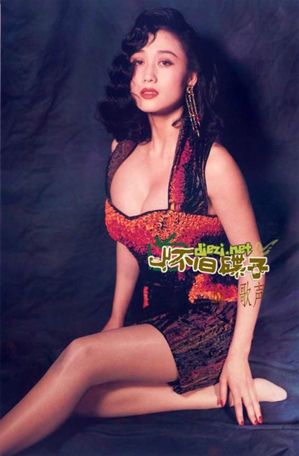 Hoa hậu châu Á đẹp nhất mọi thời đại: Làm một nửa Hong Kong mê mẩn, khiến Lý Liên Kiệt ruồng bỏ vợ con - Ảnh 4.