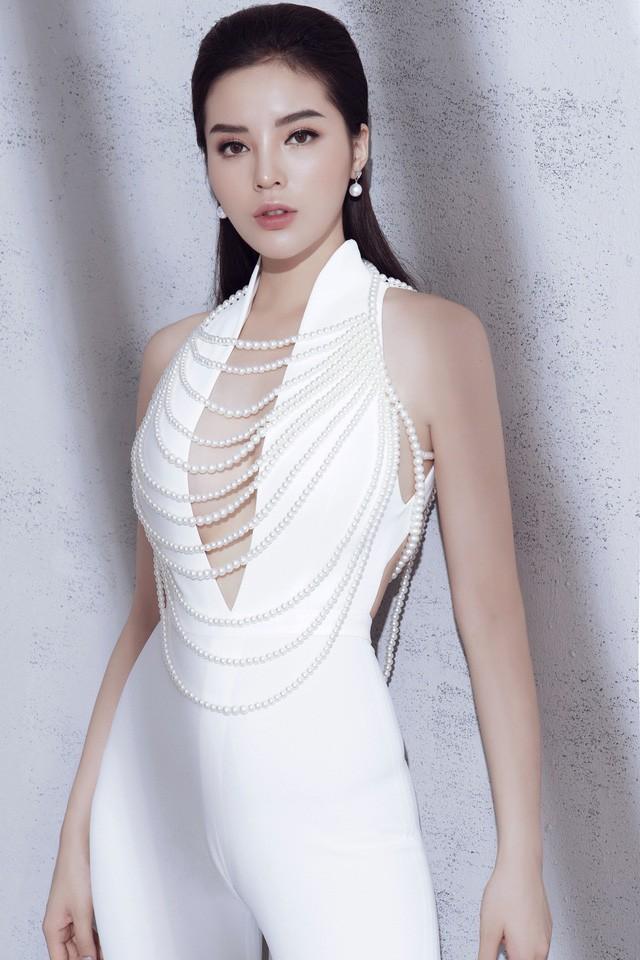 5 Hoa hậu Việt Nam đăng quang năm 18 tuổi: Người