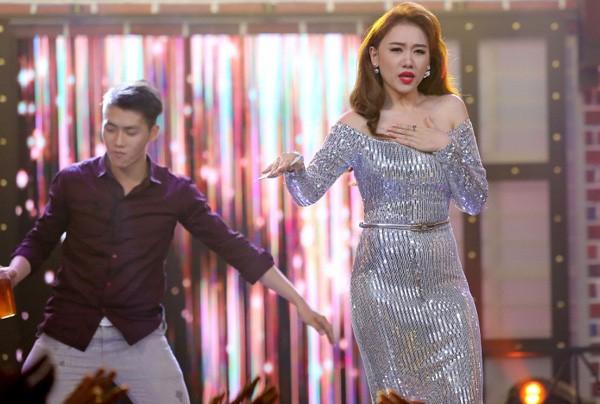 Ngoài Nam Em, showbiz Việt còn có vài pha giảm hẳn phong độ do tăng cân không kiểm soát  - Ảnh 7.