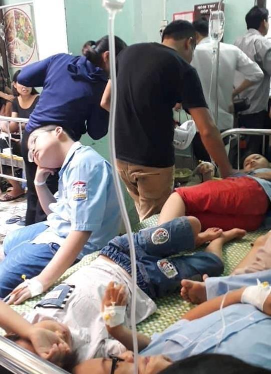 Ninh Bình: Sau bữa ăn trưa gần 200 học sinh nhập viện do có biểu hiện buồn nôn, sốt - Ảnh 5.
