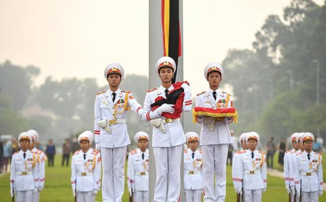[CẬP NHẬT] Lễ thượng cờ rủ Quốc tang cố Tổng Bí thư Đỗ Mười - Ảnh 1.