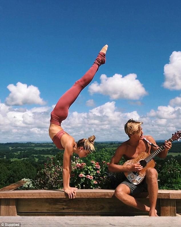 Yoga đã cứu sống người đẹp này: Từ chỗ trầm cảm với cảm giác vô dụng trở thành ngôi sao có tới 1,4 triệu lượt follow trên mạng xã hội - Ảnh 2.
