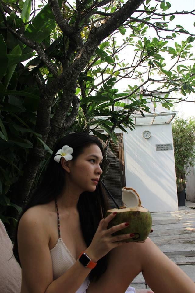 Nhan sac long lay tren dat My cua co con gai me the hinh, sexy khong kem