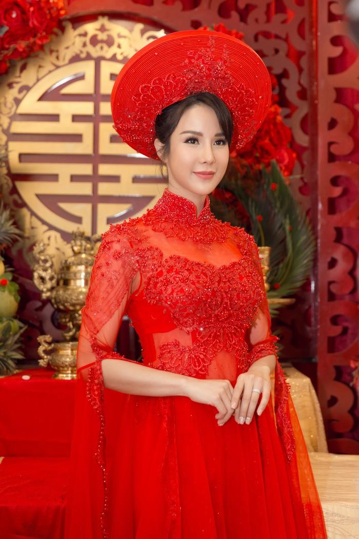 cuoi-cung-diep-lam-anh-cung-lo-dien-cuoi-tit-mat-hanh-phuc-3158c026