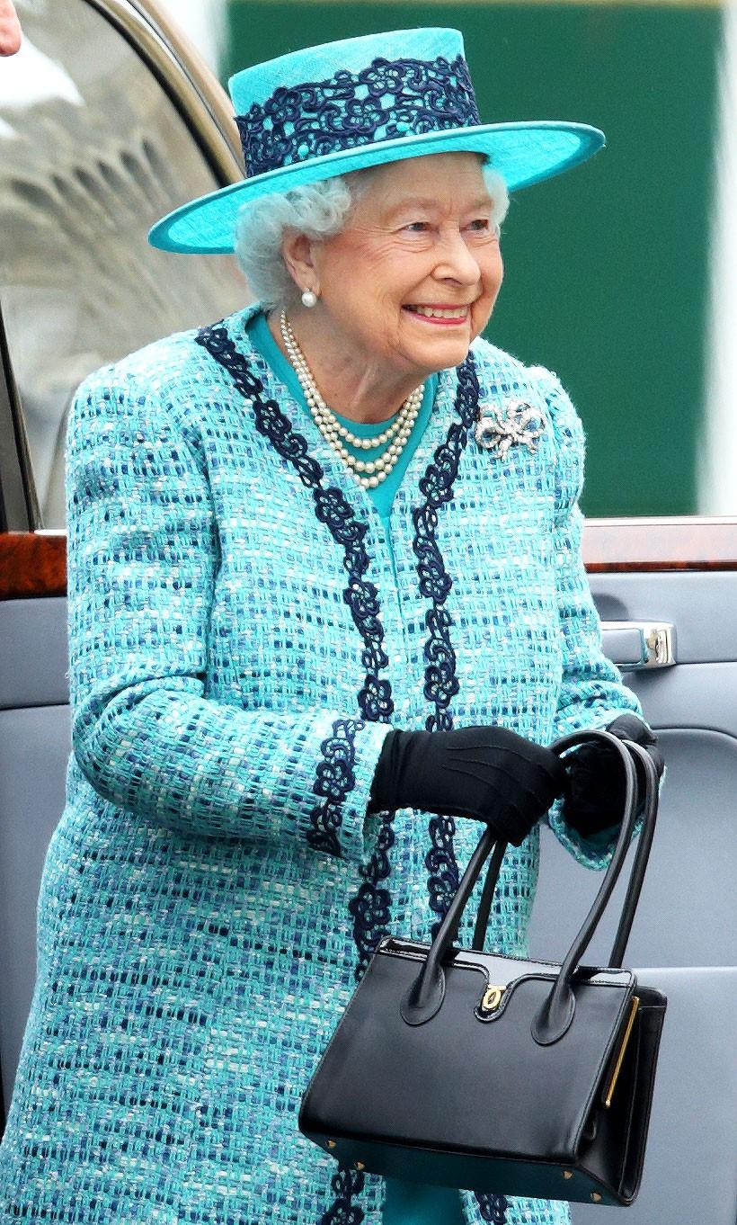 queen-elizabeth-ee202c78-59af-447a-97f2-d0655f90e461-15376252678951865128545