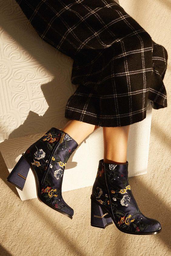 Đi tìm công thức chuẩn chỉnh mix đủ kiểu boots trong mùa lạnh này - Ảnh 15.