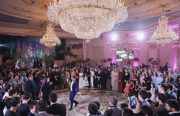 Lóa mắt với đám cưới xa hoa bậc nhất của ông trùm dầu khí với dàn vali của hồi môn đã lên tới 7 tỷ - Ảnh 8.