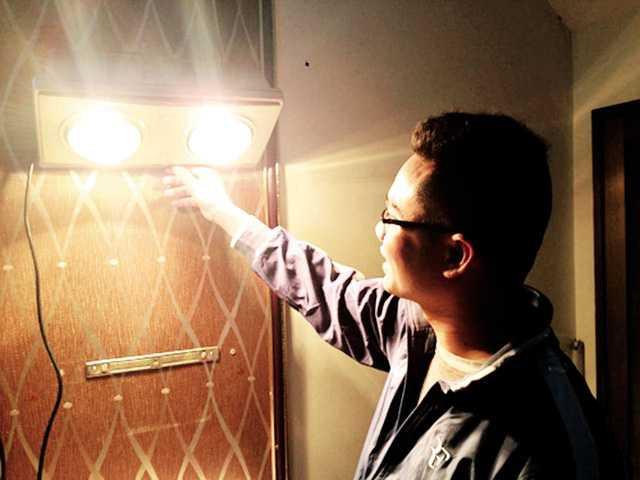 Đèn sưởi nhà tắm phát nổ như pháo hoa và lời cảnh báo cho các gia đình có trẻ nhỏ - Ảnh 8.
