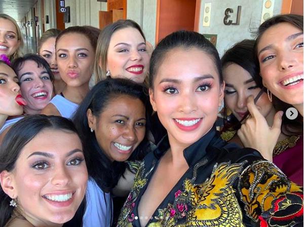 HH Tiểu Vy make up đẹp xuất sắc, lấn át cả dàn thí sinh quốc tế tại Miss World 2018 - Ảnh 9.