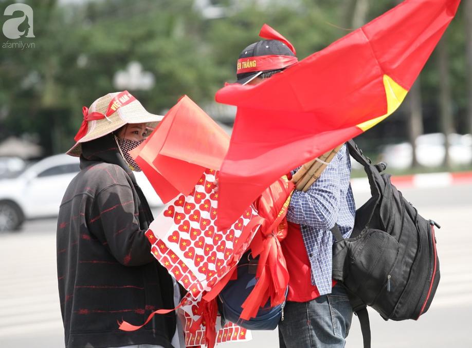 AFF CUP: Việt Nam 2 - 0 Malaysia, người hâm mộ vui sướng cuồng nhiệt - Ảnh 25.