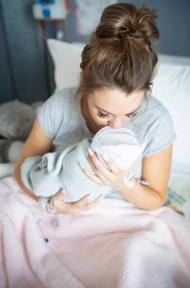 Ôm xác con trên tay khi vừa sinh, bà mẹ cảnh báo về hội chứng nguy hiểm trong thai kỳ bị bác sĩ bỏ qua - Ảnh 5.