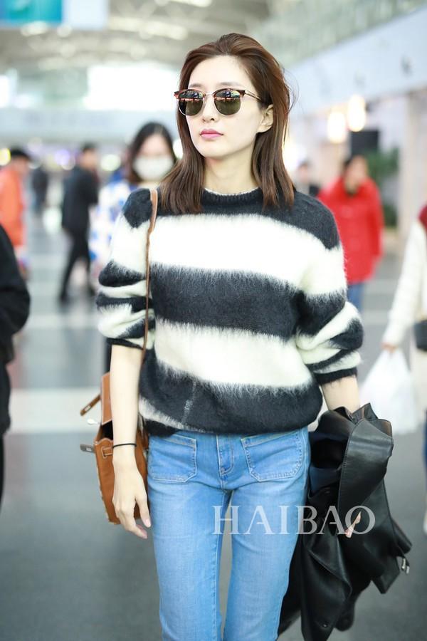 Diện áo len 22 triệu mà Ngô Cẩn Ngôn như mặc đồ Taobao, nhìn sang Giang Sơ Ảnh mới thấy rõ đẳng cấp - Ảnh 5.