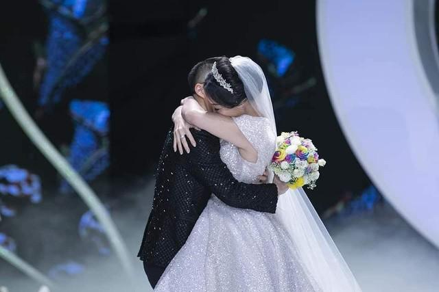 Calla Show 2018 – Nơi viết tiếp trang chuyện tình ngọt như mơ của cặp đôi Irene Hoàng – Adonis Nguyễn - Ảnh 6.
