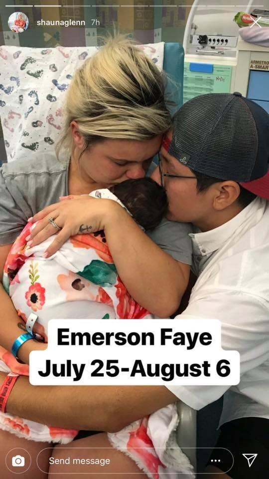 Thêm một em bé sơ sinh 12 ngày tuổi vĩnh viễn ra đi vì mắc virus Herpes từ nụ hôn thần chết - Ảnh 1.