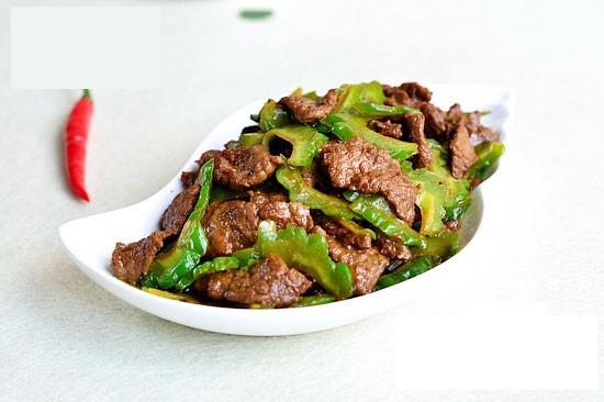 Từ khi học được bí quyết của đầu bếp Mỹ, món thịt bò xào của tôi lúc nào cũng mềm tan, thơm ngon bất bại - Ảnh 1.